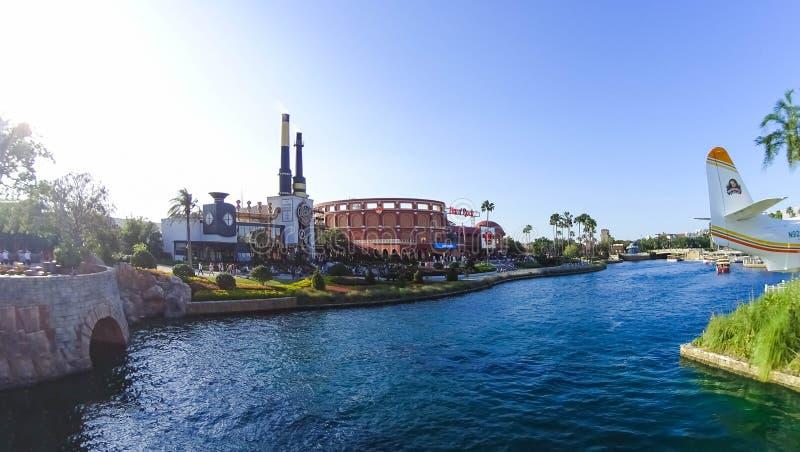 Orlando USA - Maj 8, 2018: Charlie Chocolate Emporium i den universella Orlando Resort royaltyfria foton