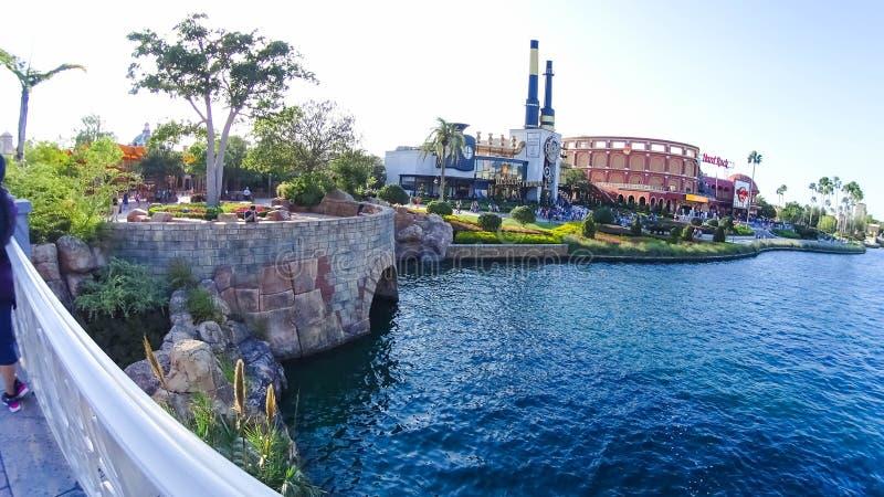 Orlando USA - Maj 8, 2018: Charlie Chocolate Emporium i den universella Orlando Resort royaltyfri foto
