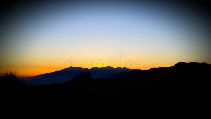 Orlo di Big Bear dell'insieme del sole del mondo immagini stock libere da diritti
