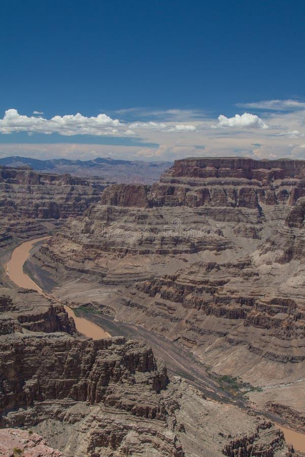 Orlo ed il fiume Colorado ad ovest di Grand Canyon fotografie stock