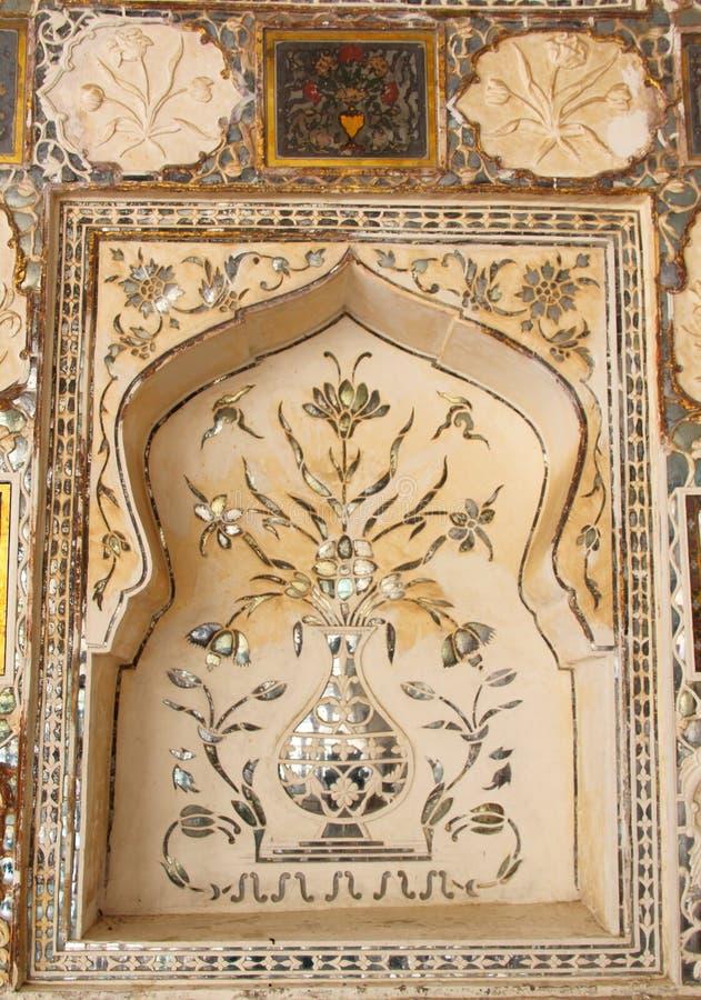 Ornament bij de Amber Fort-muur. stock afbeeldingen