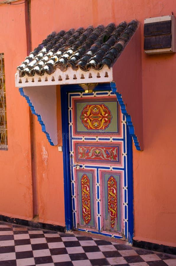 Ornamentacyjny marokański drzwi fotografia royalty free