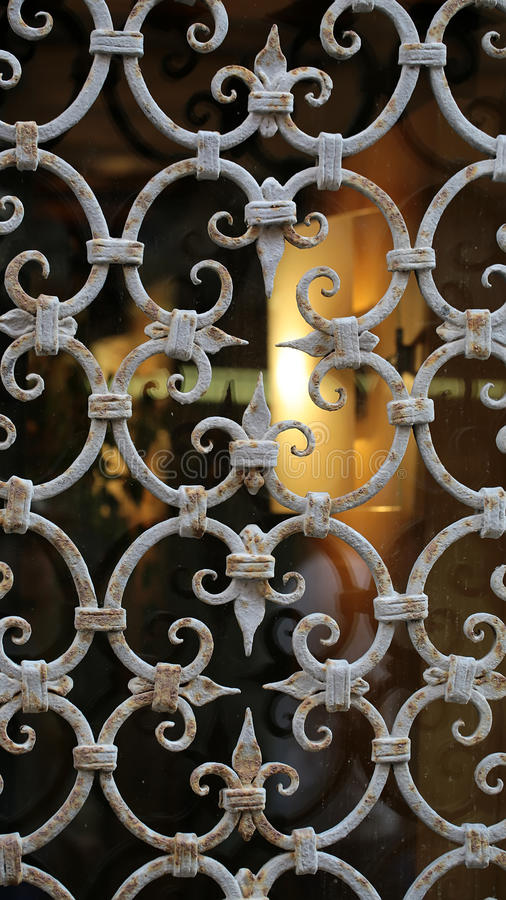Ornamentacyjny okno strażnik z barami zdjęcie royalty free