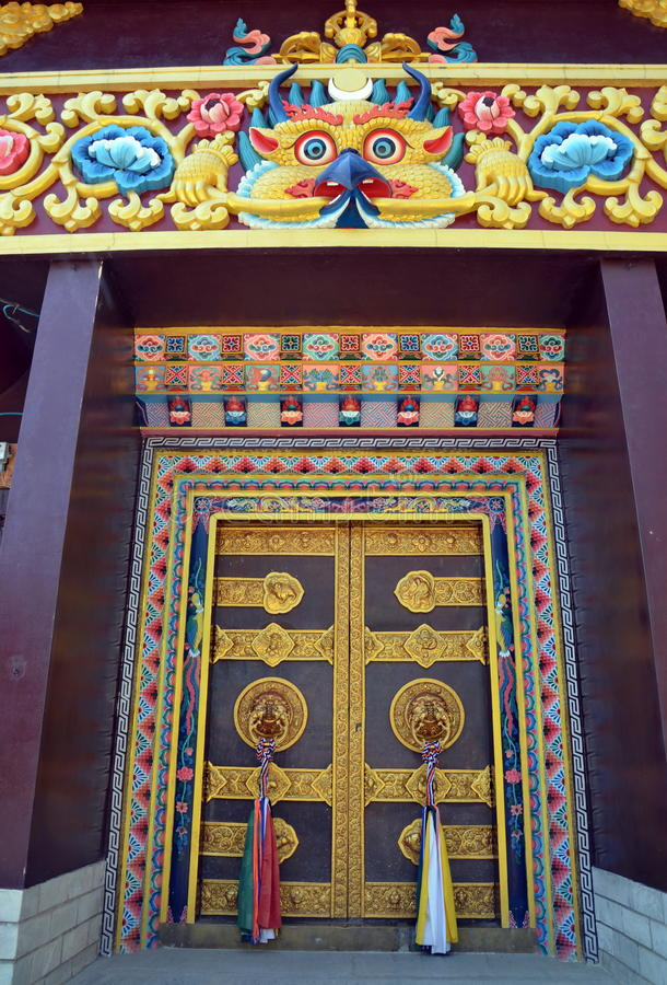Ornamental gate of Buddhist temple stock photography