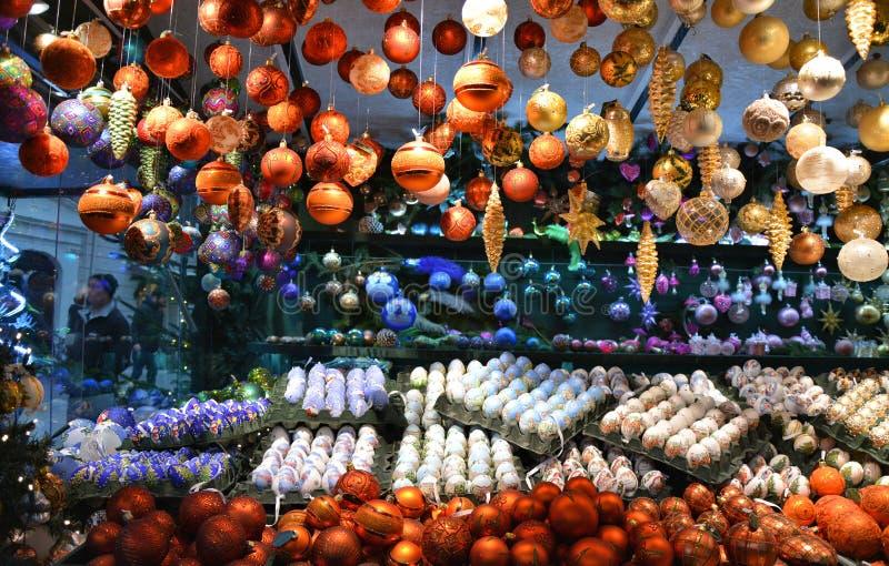 Ornamenti del mercato di Natale fotografie stock