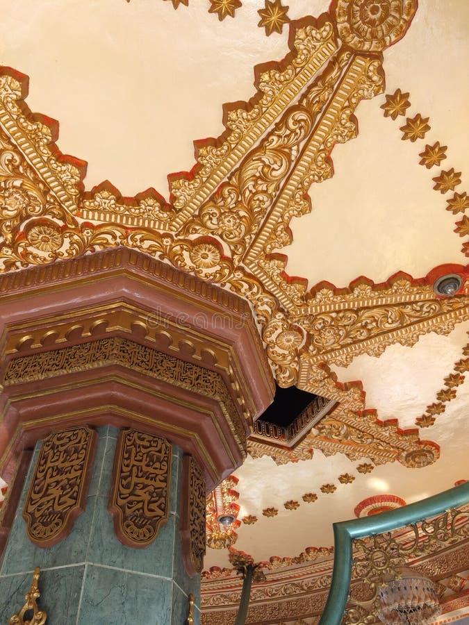 Ornamenti dorati della moschea immagini stock