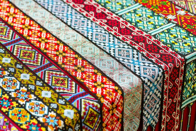 Ornamenti tessuti dalle perle fotografia stock libera da diritti