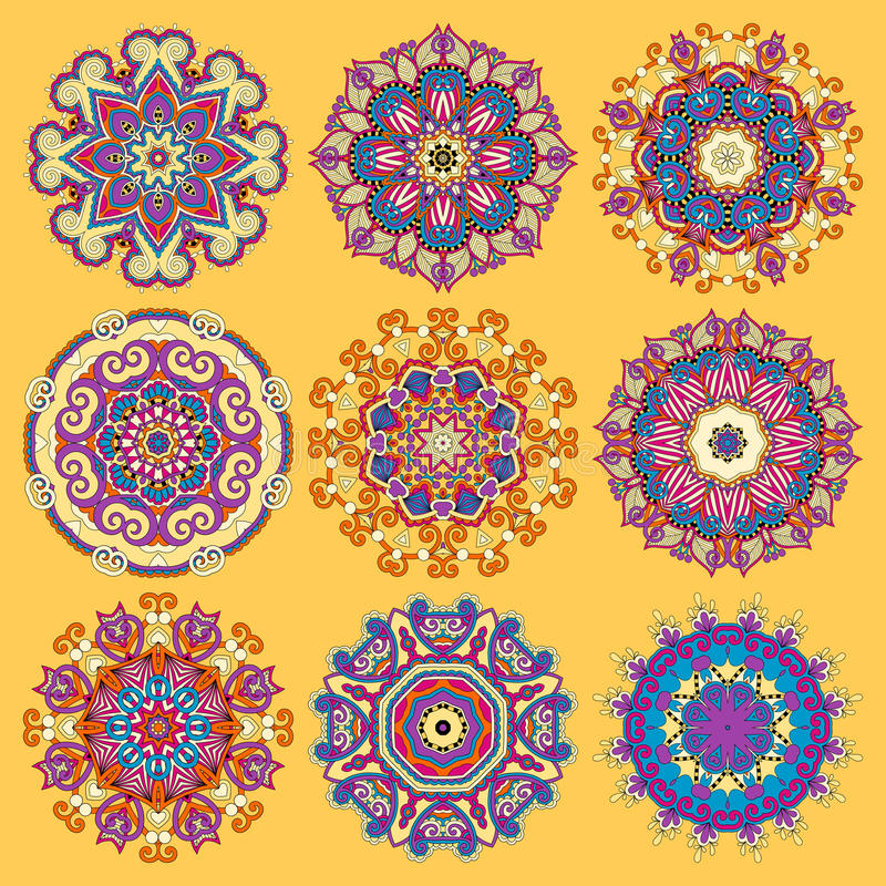 Ornamento amarelo do laço do círculo, ornamental redondo ilustração royalty free