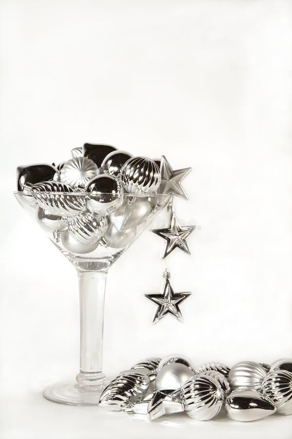 Ornamento d'argento martini con il raggruppamento immagini stock