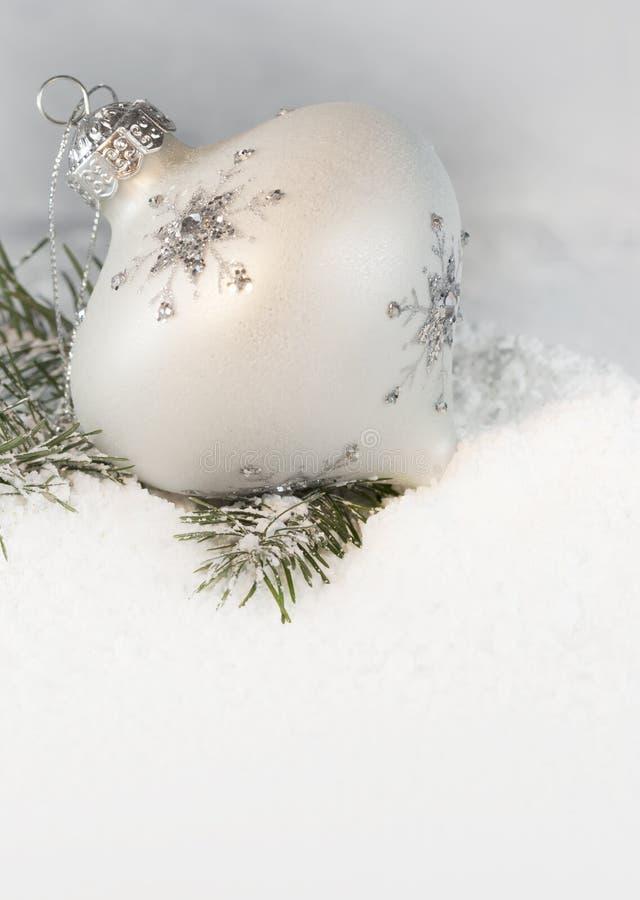 Ornamento de marfil 2 de la Navidad fotografía de archivo