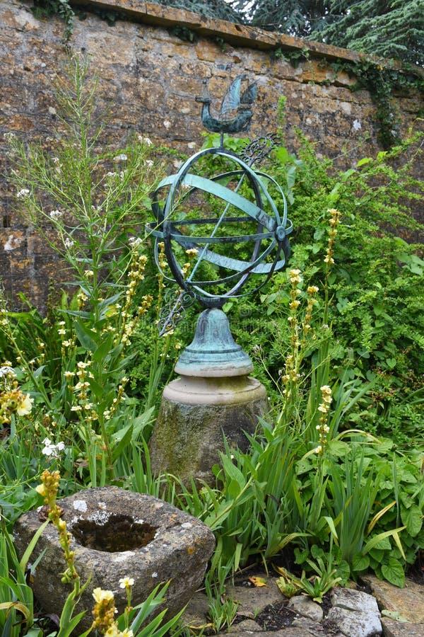 Ornamento de metal, jardim de Tintinhull, Somerset, Inglaterra, Reino Unido fotografia de stock royalty free
