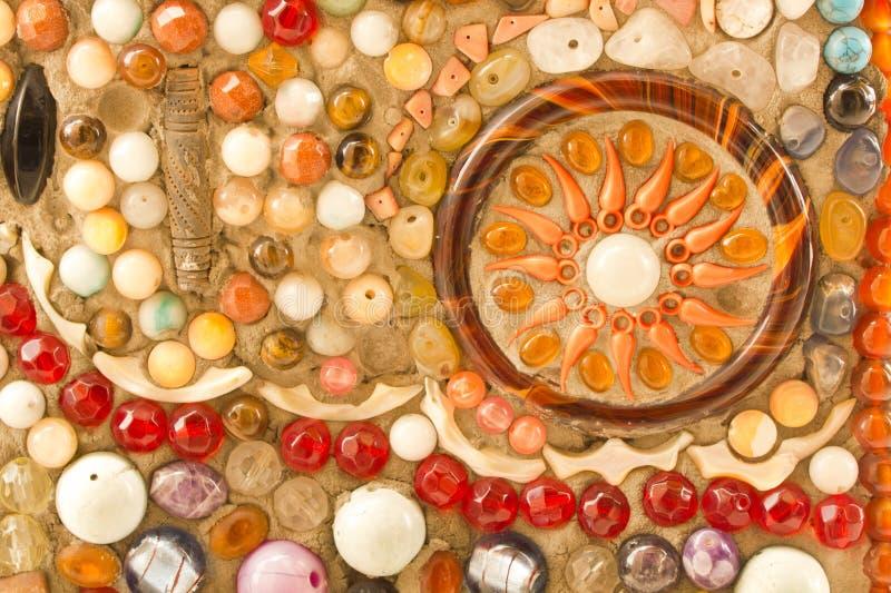Ornamento decorativo da parede do mosaico da telha quebrada cerâmica imagem de stock royalty free