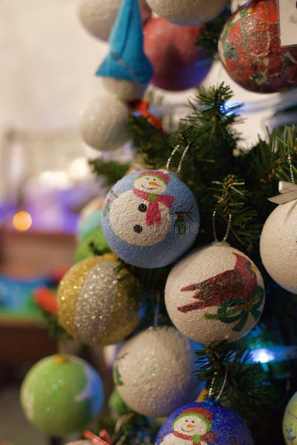 Ornamento del árbol de navidad hecho de la espuma de poliestireno fotos de archivo libres de regalías