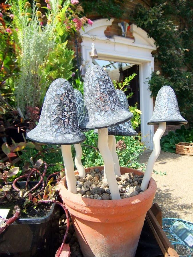 Ornamento del giardino del fungo immagine stock libera da diritti