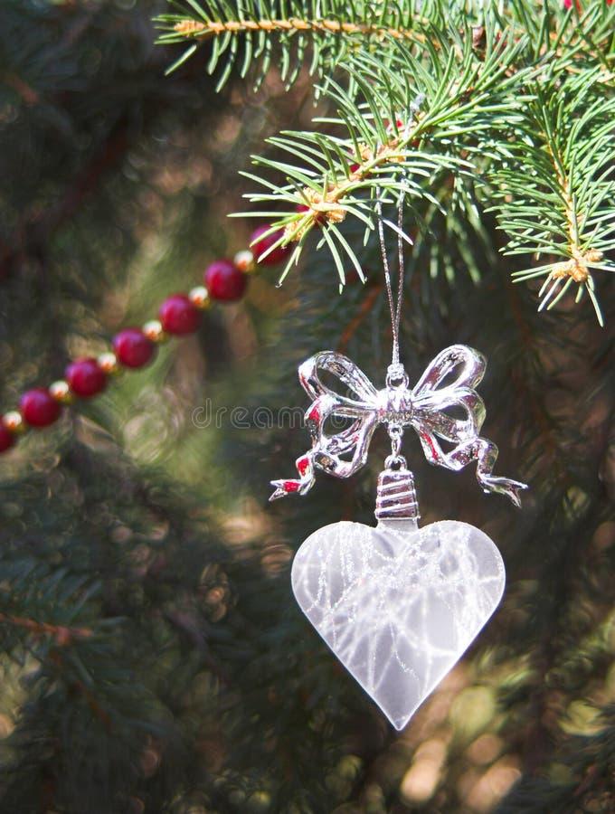 Ornamento di cristallo di natale del cuore fotografia stock