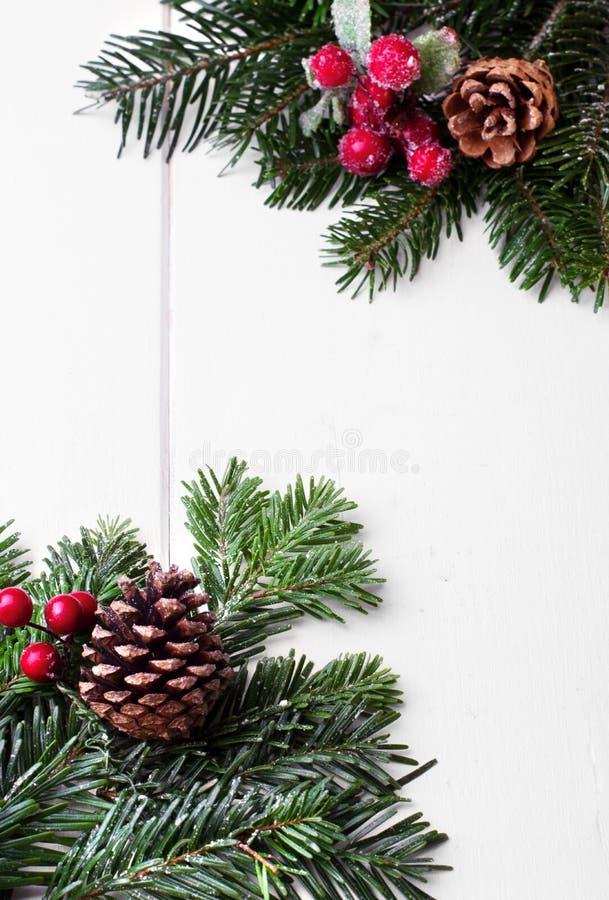 Ornamento do feriado do Natal, fundo branco imagem de stock