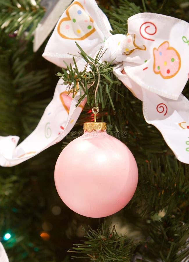 Ornamento do Natal da cor-de-rosa de bebê fotos de stock