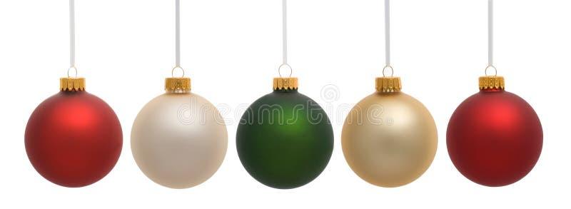 Ornamento do Natal que penduram no branco foto de stock royalty free