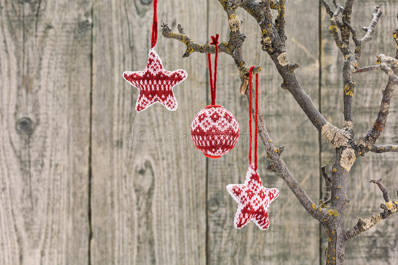 Ornamento do Natal vermelho e branco fotografia de stock