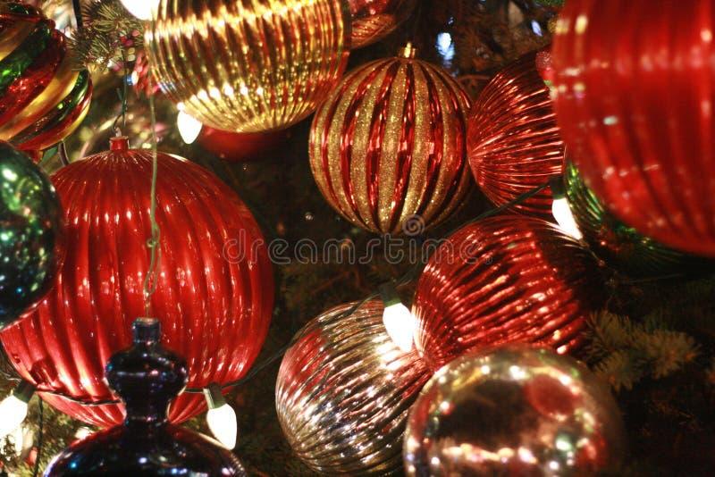 Ornamentos de la bola del árbol de navidad fotografía de archivo