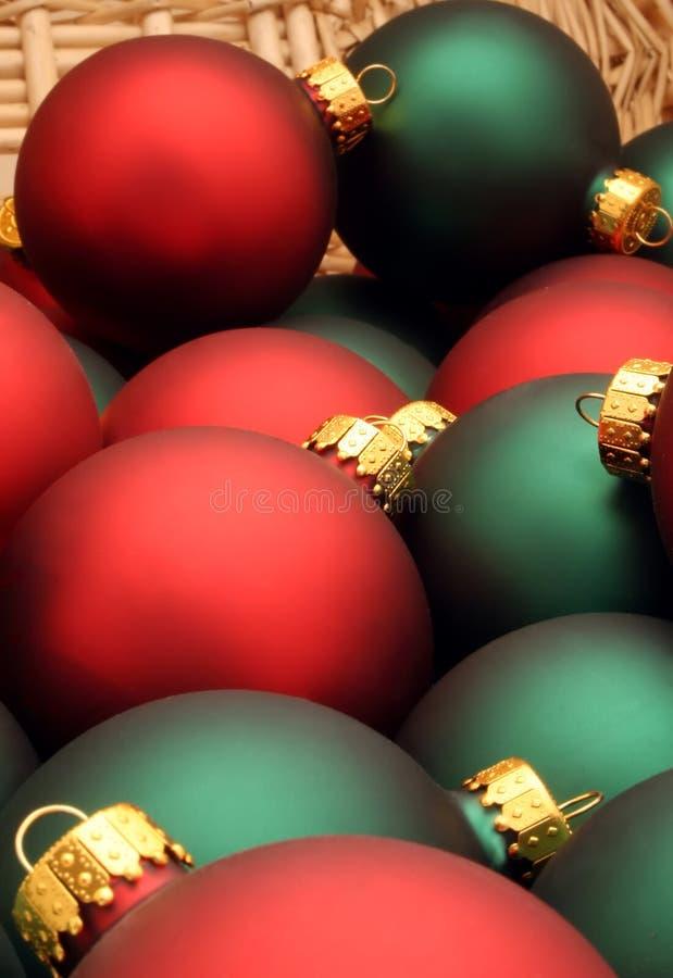 Ornamentos en una serie de la cesta - Ornaments6 de la Navidad imagen de archivo