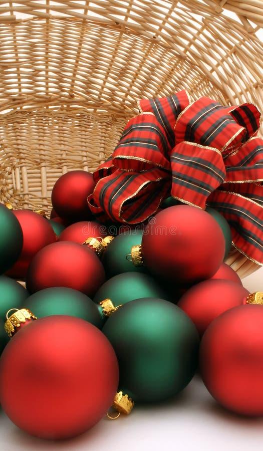 Ornamentos en una serie de la cesta - Ornaments7 de la Navidad imagen de archivo