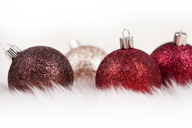 Ornamentos Glittery De La Navidad Fotos de archivo libres de regalías