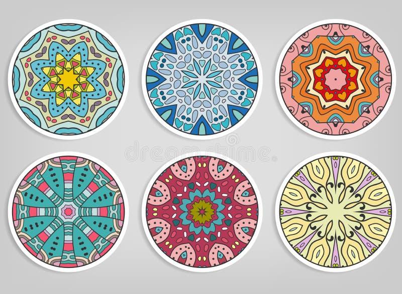 Ornamentos redondos decorativos fijados, elementos aislados del diseño imagen de archivo libre de regalías