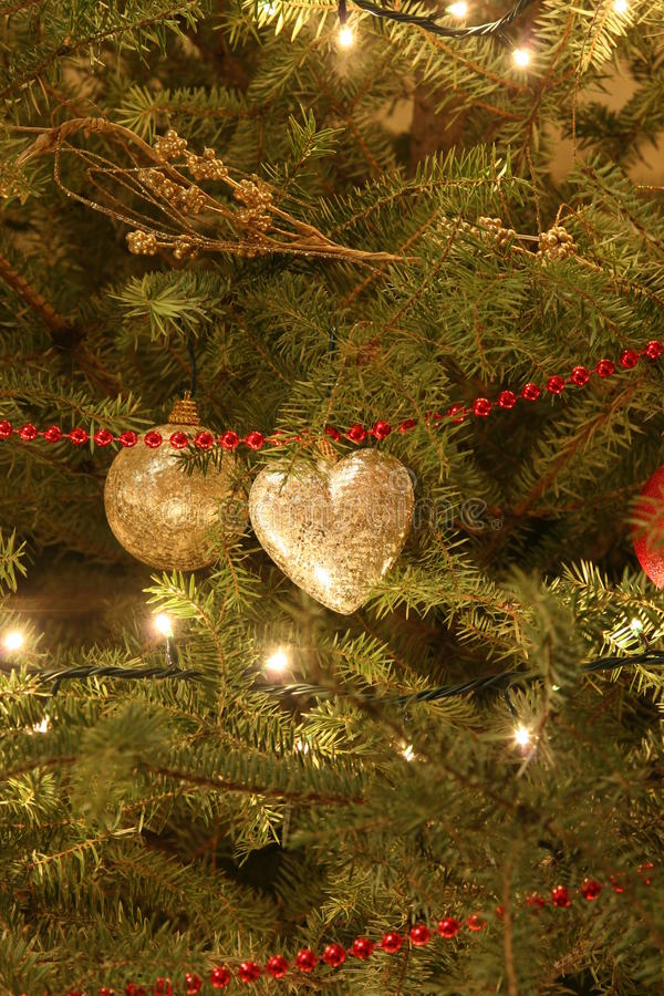 Free Ornaments On Christmas Tree Royalty Free Stock Photos - 9533108