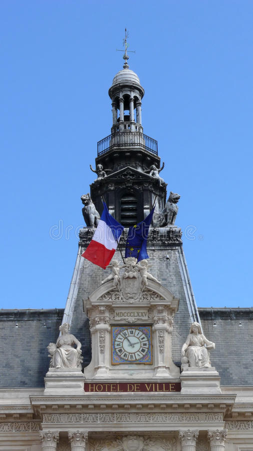 Free Ornate French Hotel Facade Stock Photography - 10540862