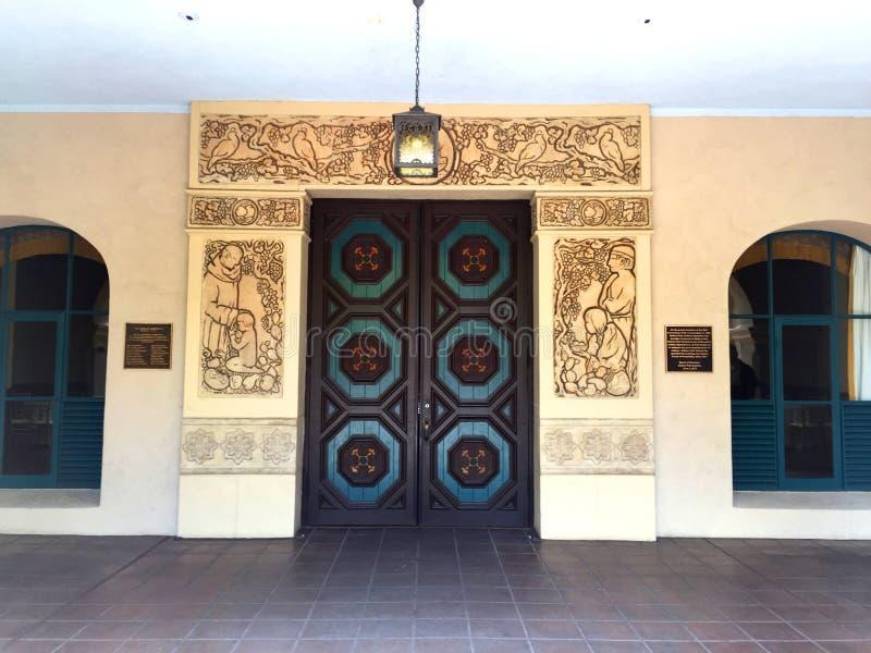 Ornately высекаенная дверь в парке бальбоа стоковое изображение