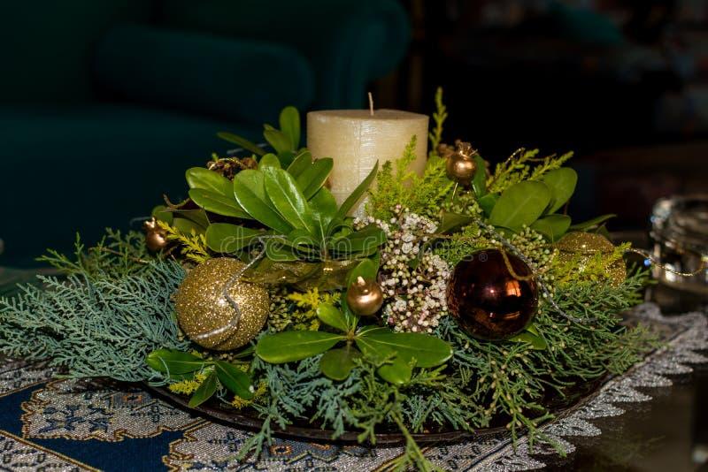 Ornement d'un arbre de Noël décoré images stock