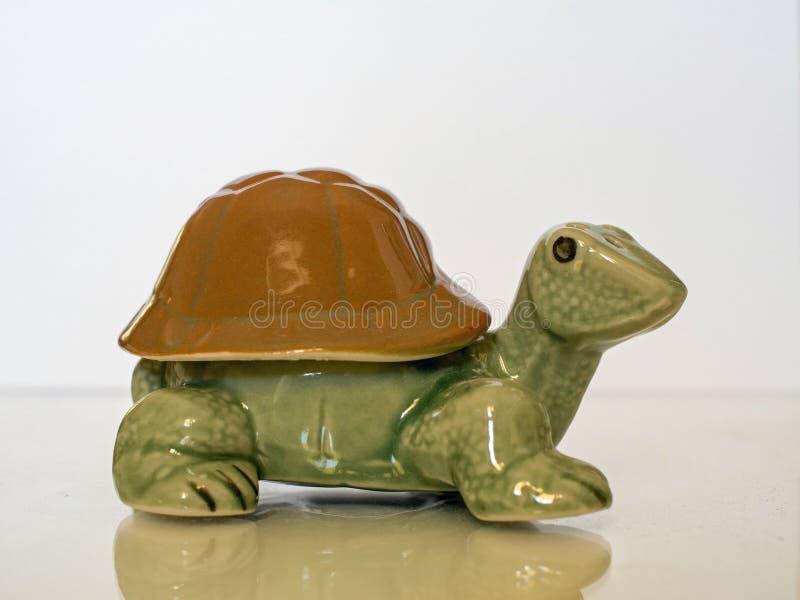 Ornement en céramique de tortue images libres de droits