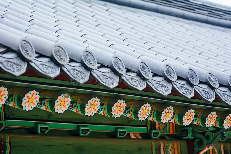 Ornement traditionnel coréen de toit (palais de Changdeokgung, Séoul) photo stock