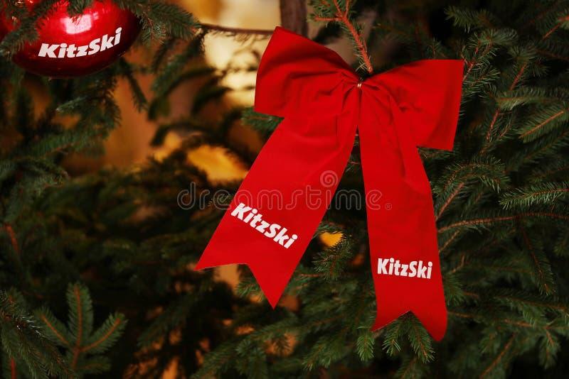 Ornements d'arbre de Noël de KitzSki, marché de Noël dans l'aéroport de Munich, Allemagne image libre de droits