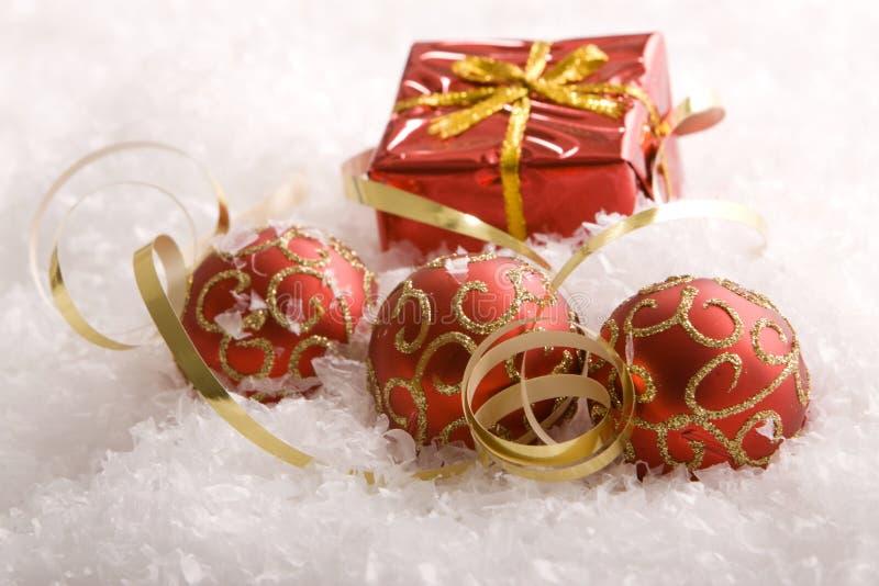 ornements de cadeaux de Noël image libre de droits