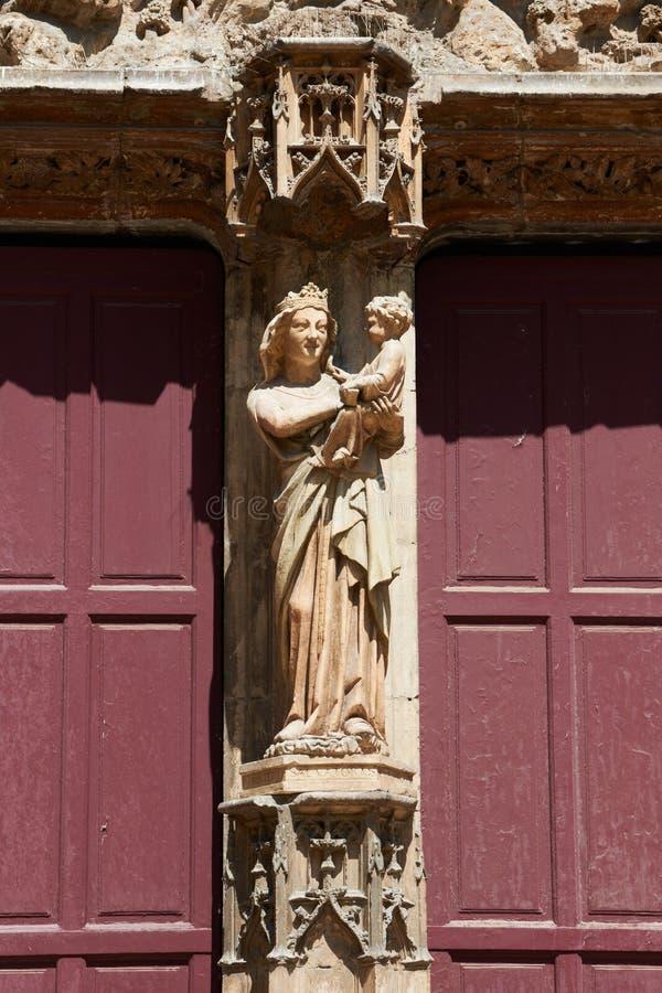 Ornements de façade de Saint-Sauveur de cathédrale image libre de droits