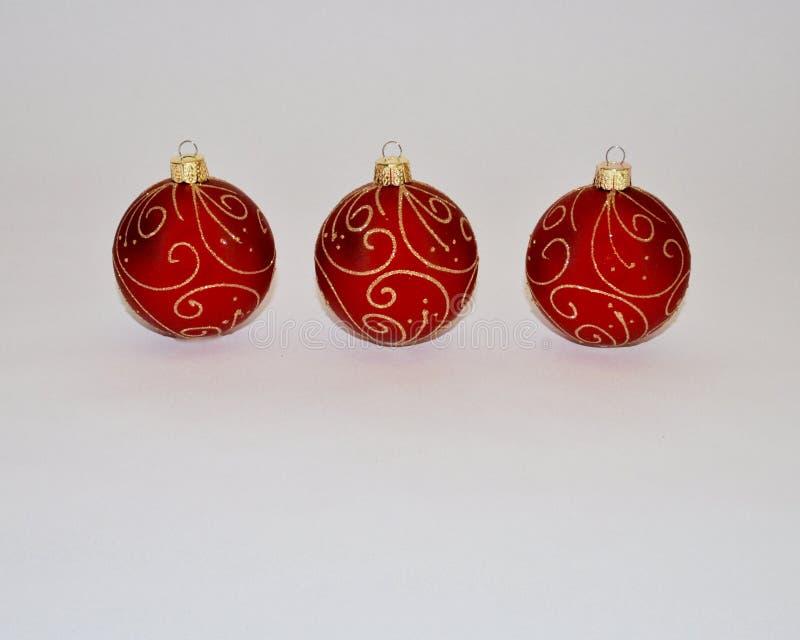 Ornements de Noël Décorations rouges de Noël images stock