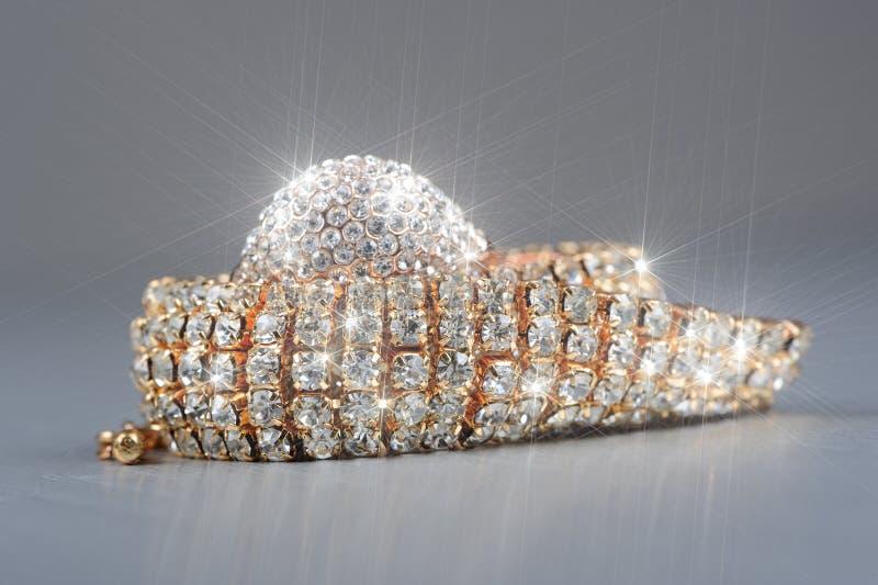 Oro brillante Diamond Ring e macro del braccialetto fotografia stock libera da diritti