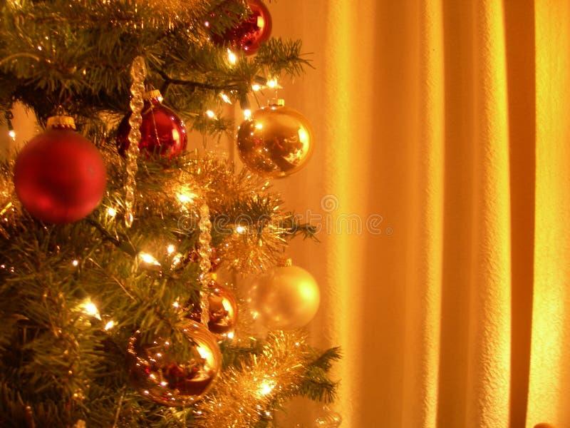 Oro dell'albero di Natale fotografie stock libere da diritti