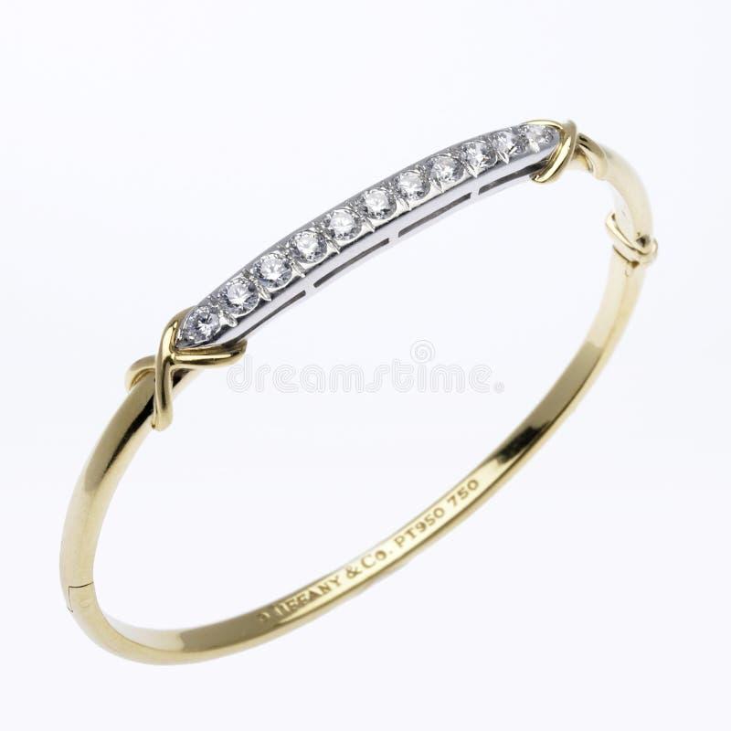 Oro e braccialetto del diamante fotografie stock libere da diritti