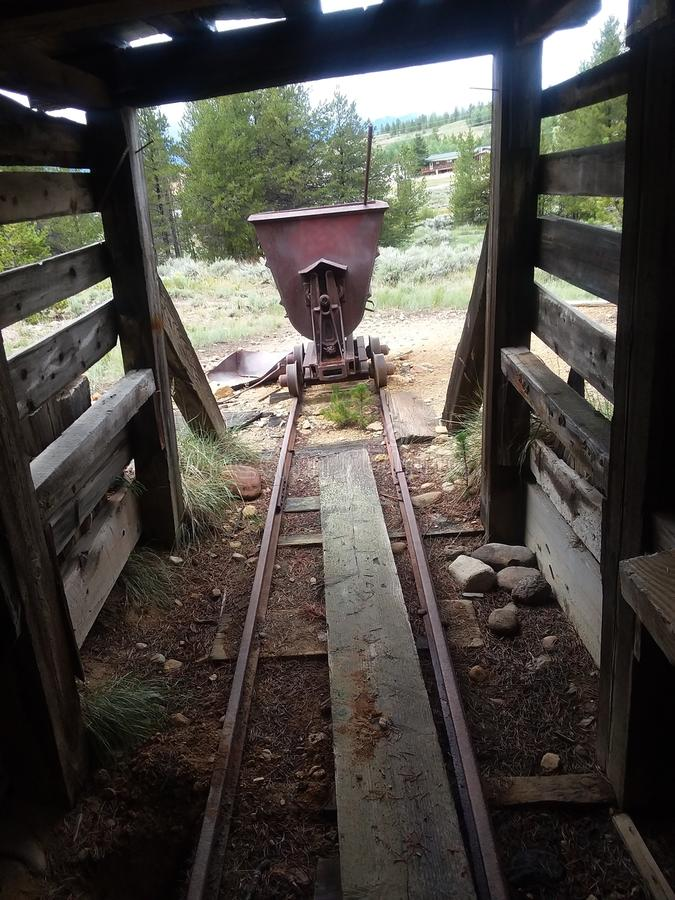 Oro mina stumpville Colorado agosto de 2017 abandonado imagenes de archivo