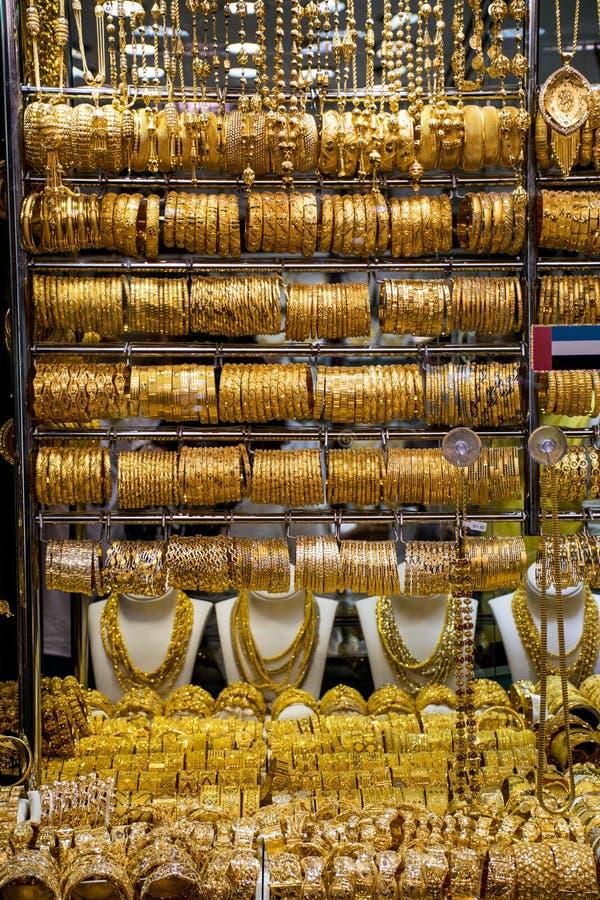 Oro sul souk dorato famoso nel Dubai fotografie stock libere da diritti