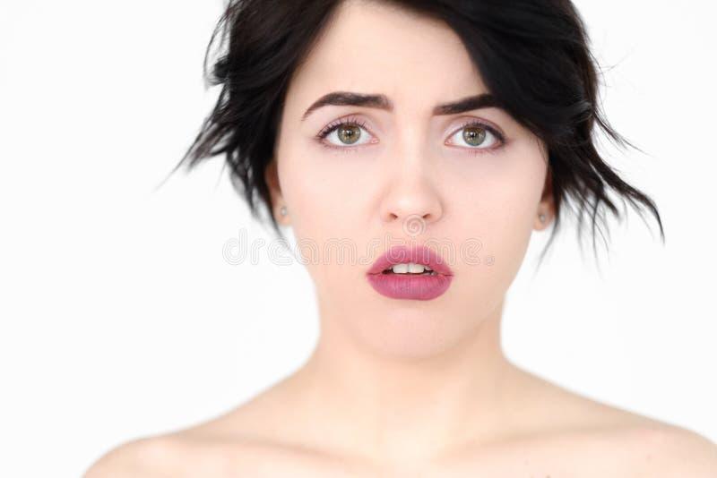 Oroad alarmerad agiterad kvinna för sinnesrörelse framsida royaltyfria bilder