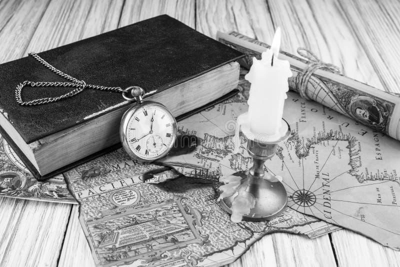 Orologio da tasca di antiquariato fotografia stock libera da diritti