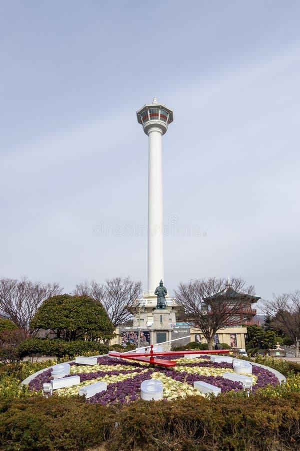 Orologio del parco di Yongdusan della torre di Busan fotografia stock libera da diritti