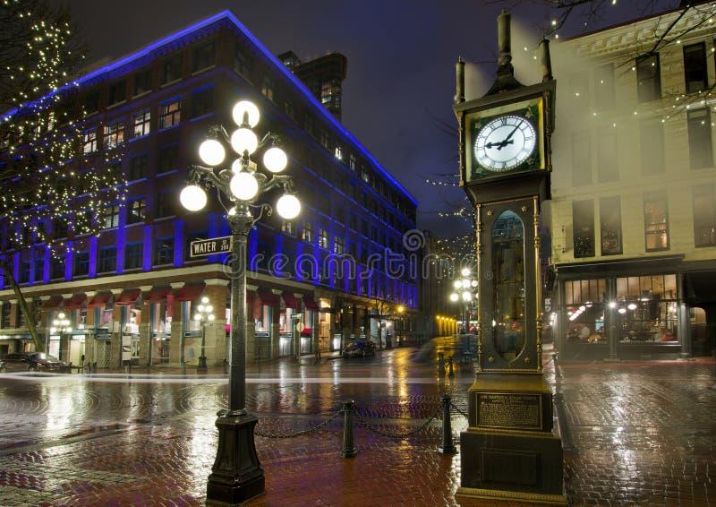 Orologio del vapore di Gastown su una notte piovosa immagine stock libera da diritti