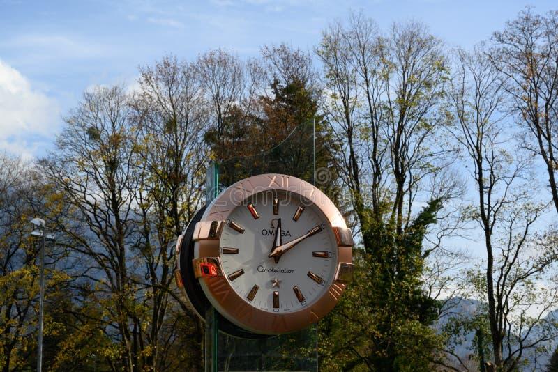 Orologio di lusso di Omega nel paesaggio, cattivo Ragatz, Svizzera fotografia stock libera da diritti