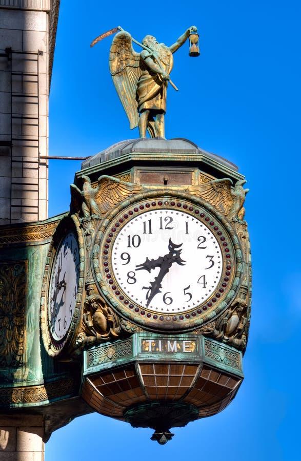 Download Orologio Di Tempo Del Padre, Chicago Fotografia Stock - Immagine di mortalità, numeri: 26480788