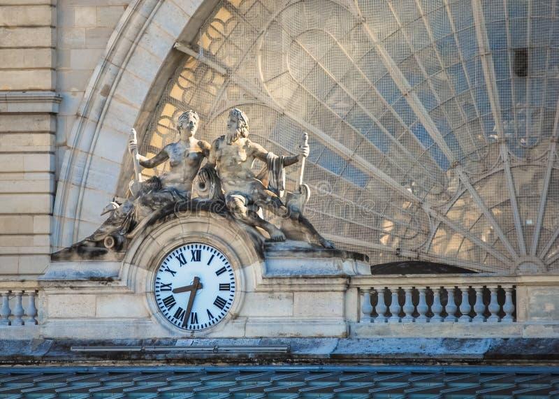 Orologio, Gare de l'Est, Parigi, Francia fotografie stock